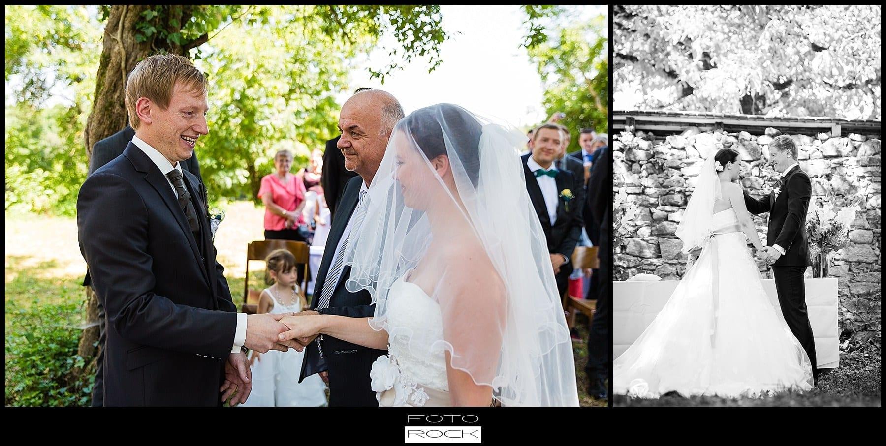 DIY Hochzeit Waldshut-Tiengen Brautpaar Freudentränen Kerze Trauung
