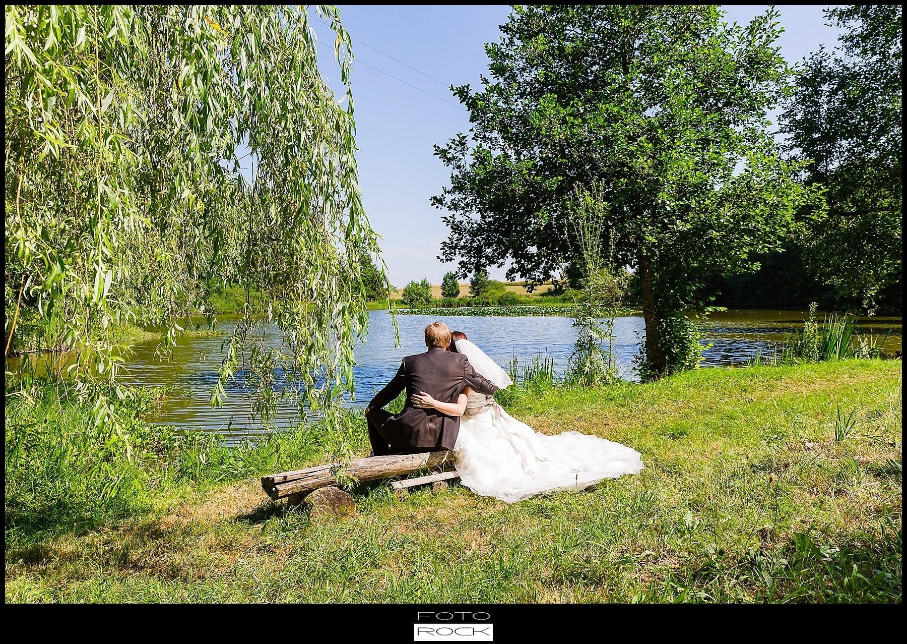 DIY Hochzeit Waldshut-Tiengen Brautpaar See Outdoor