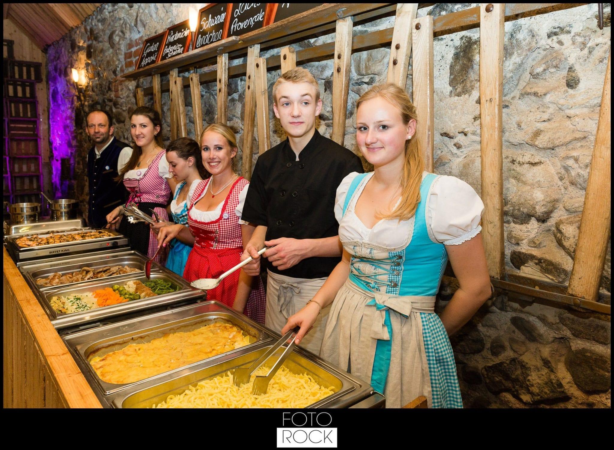 Hochzeit Freiburg Muenster Goldener Adler Oberried buffet catering essen