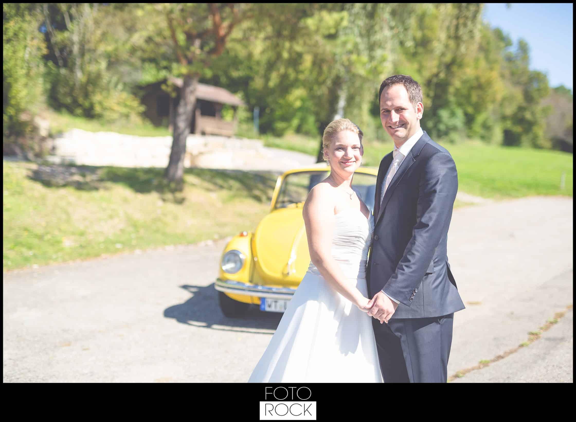 Hochzeit Adler Haeusern vw käfer brautpaar