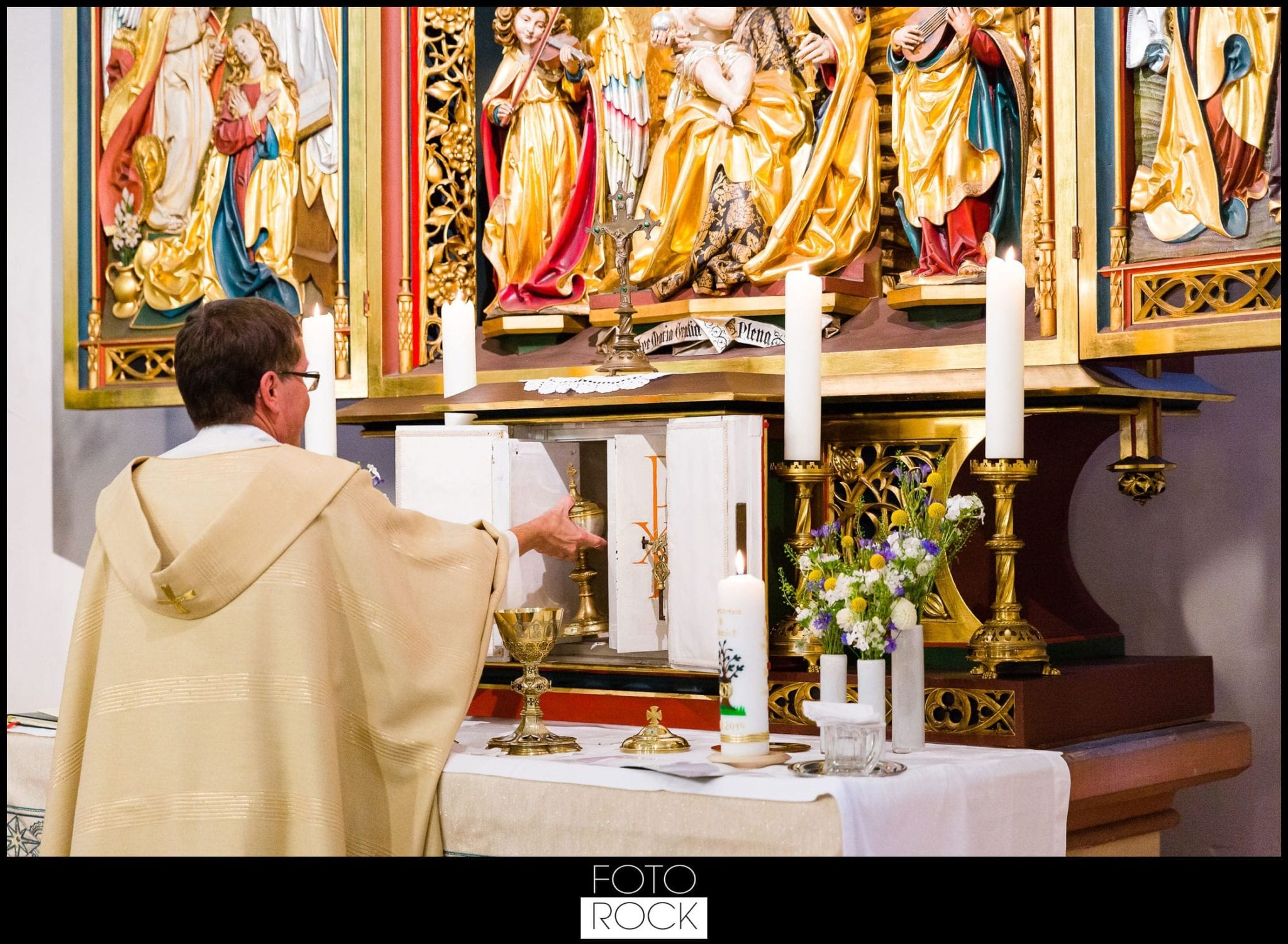 Hochzeit Elzach kapelle triptychon pfarrer kerze
