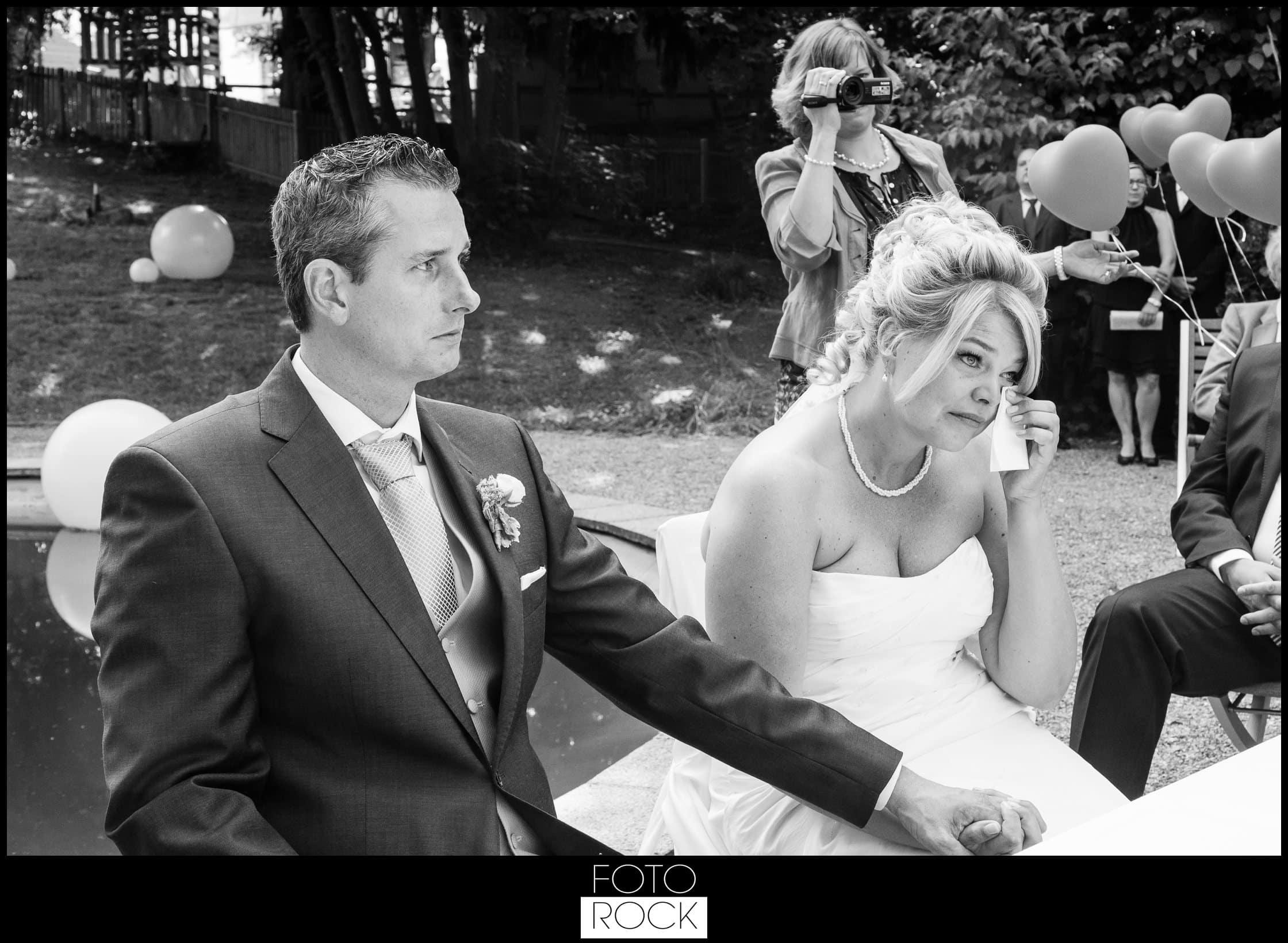 Hochzeit Jesuitenschloss Freiburg brautpaar freudentränen