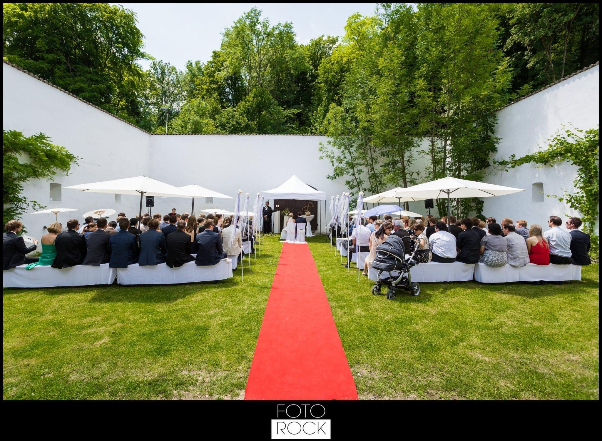 Hochzeit Lilienhof Ihringen Trauung Roter Teppich Gäste