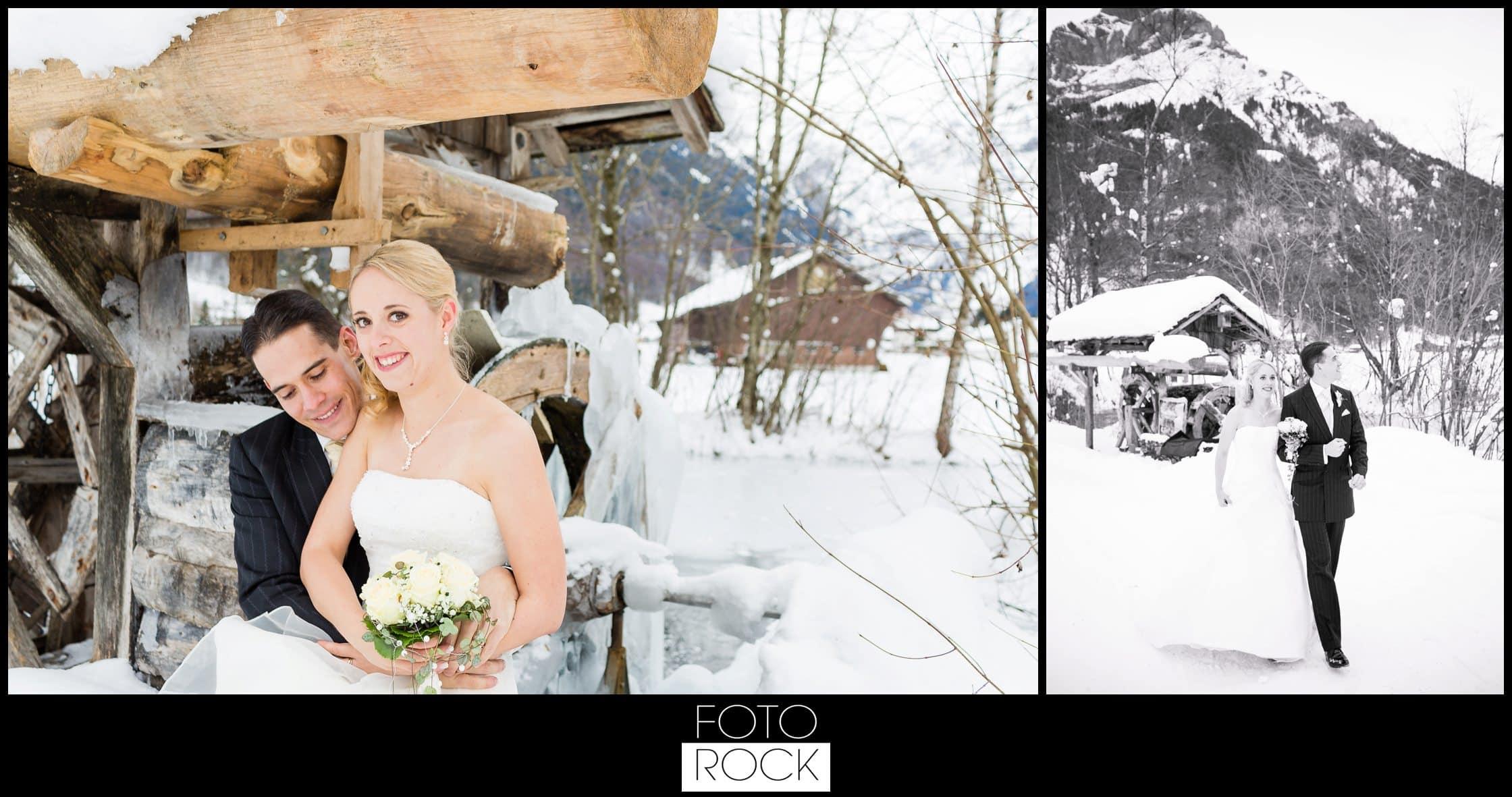 Hochzeit Winter Engelberg Wassermühle Brautpaar Schnee