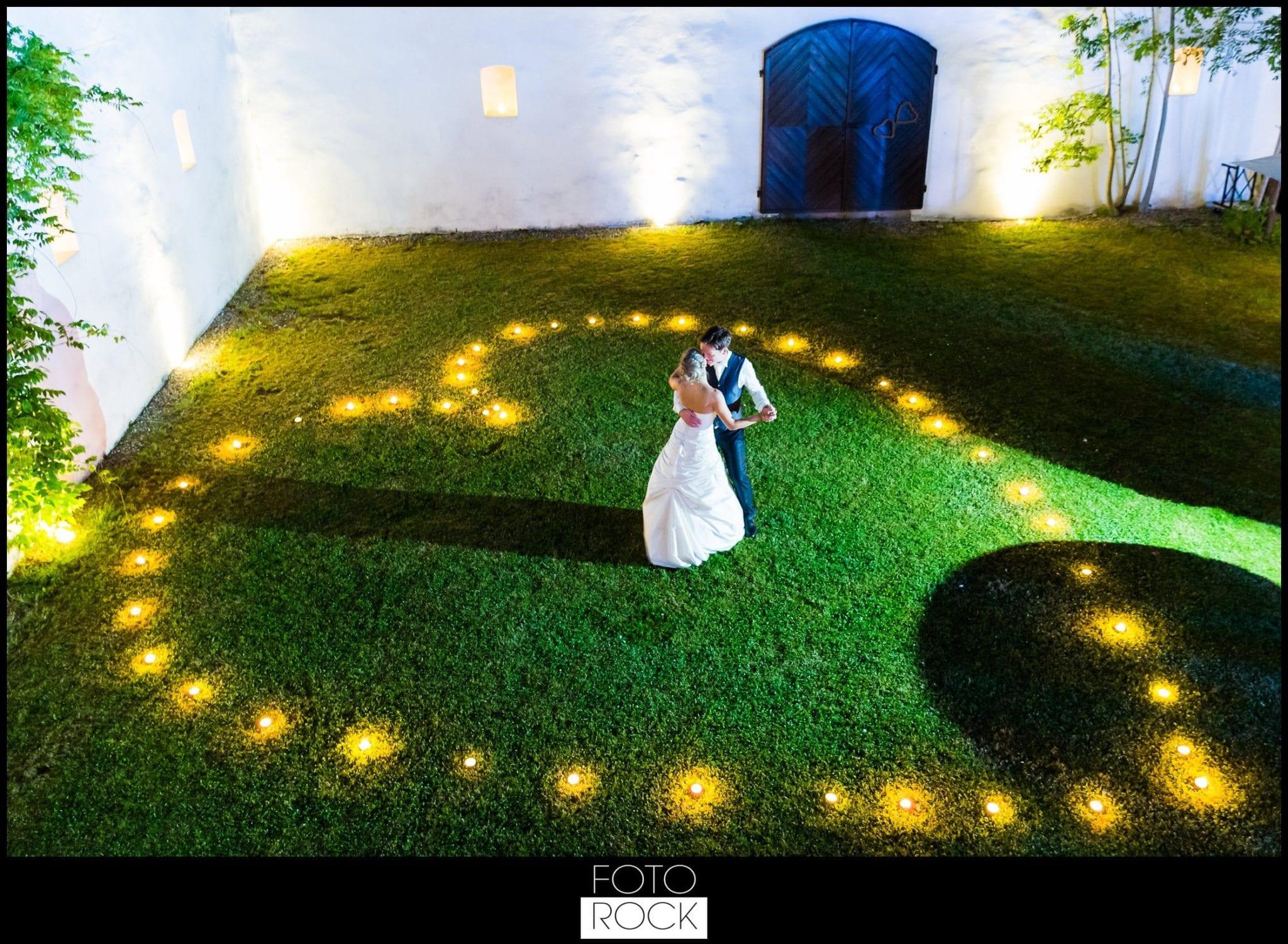Hochzeit Lilienhof Ihringen Brautpaar Kerzen Herz