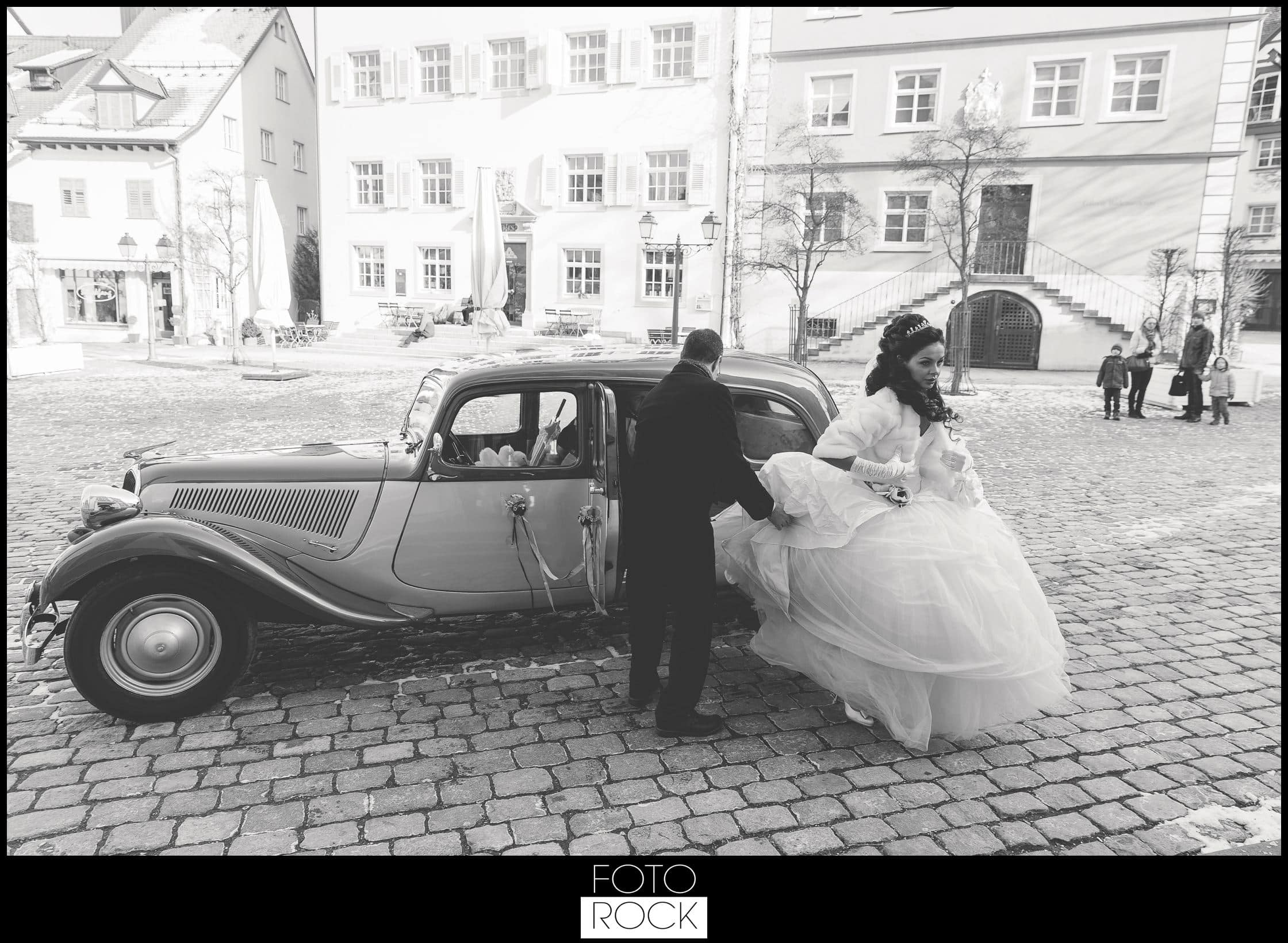 Hochzeit Schloss Meersburg Montfort Bodensee oldtimer auto kleid