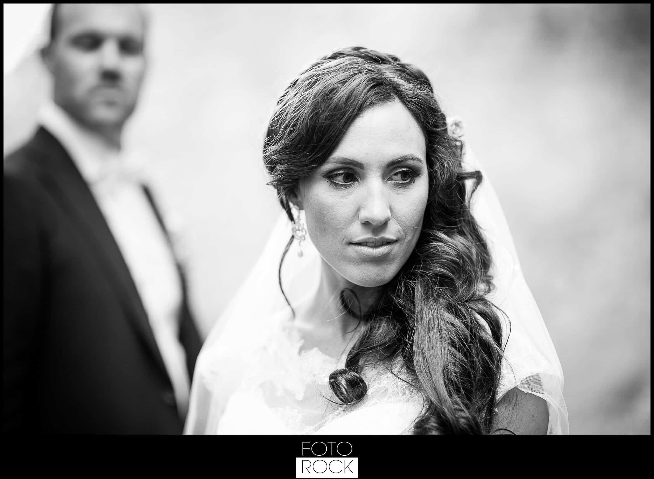 Hochzeit Lilienhof Ihringen Fotoshooting Photoshooting Brautpaar Kuss Hände